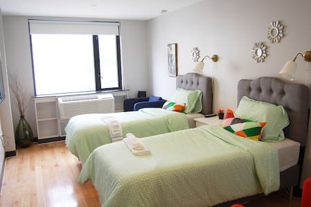 Convenient room with 2 beds - Queens - Apartment