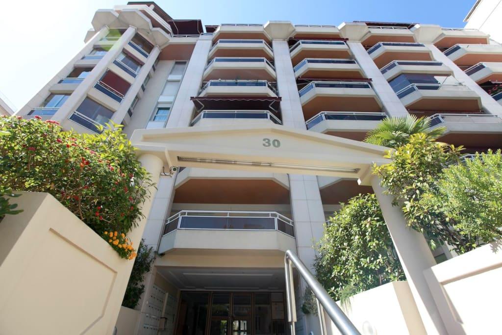 Our Modern building: Le Donatello