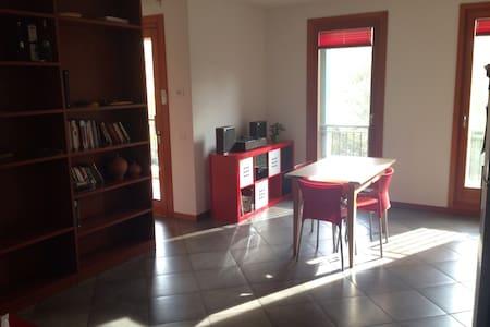Cozy, Bright & Quiet Studio Apt. - Azzano Decimo - Leilighet