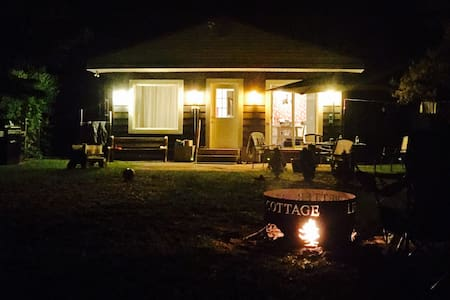 Long Point Family Beach Cottage - Port Rowan