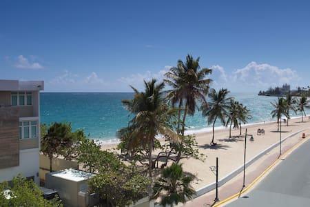 Mar Studio: Stunning Ocean View Steps to the Beach - Wohnung