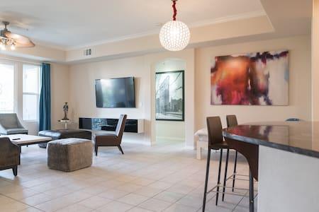 South Strip Luxury Condo 3 bedrooms