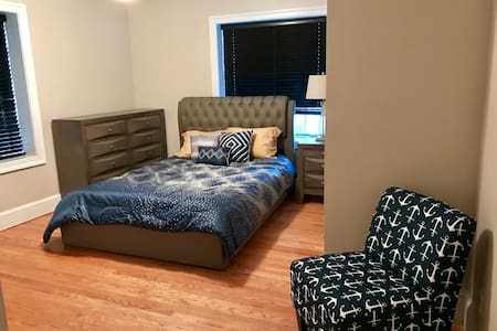 Village of West Annapolis (B) -Private Room & Bath - Appartement