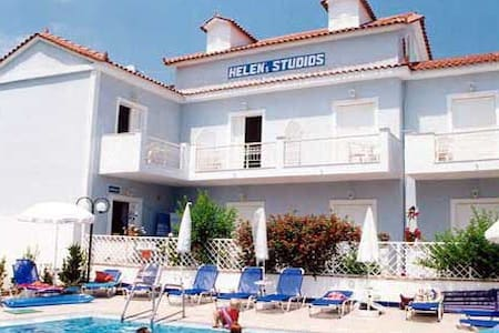 Studios Helen 50m from the sea - Apartment
