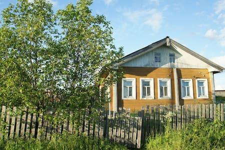 Уютный дом на берегу Северной Двины - Huis