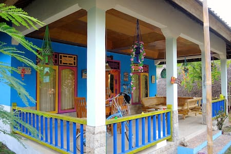 3 - ROOMS 4 RENT IN SHARED BEACH VILLA - GILI AIR - Villa