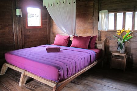 Wooden bungalow in the ricefields 5