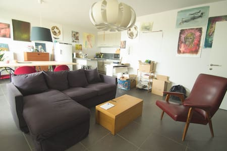 Bright apartment near the river - Lejlighed