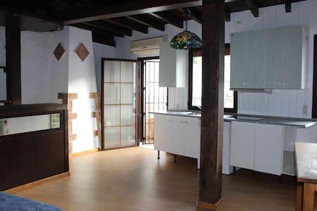 Casa Rural En Monda Para Grupos Max 20 Personas - Monda - Guesthouse