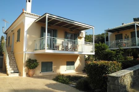 Beautiful Holiday House near the sea ! - Korinthia - Casa