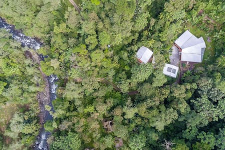 Private Upscale Cloud Forest Cabin - Mindo