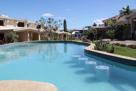 Hidden paradise: 2 story townhouse & swimming pool - Adosado