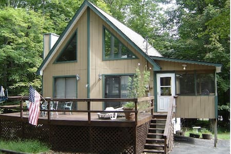 The PA Chalet 1 - Paupack Township - Haus