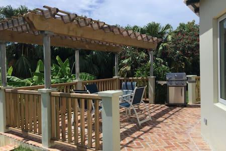 Bermuda - Garden Setting Apartment - Apartment