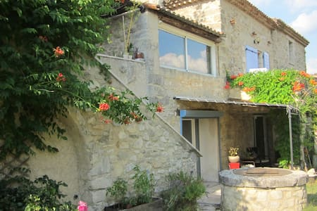 Appartement avec piscine, au calme en Provence - Dauphin - Rumah