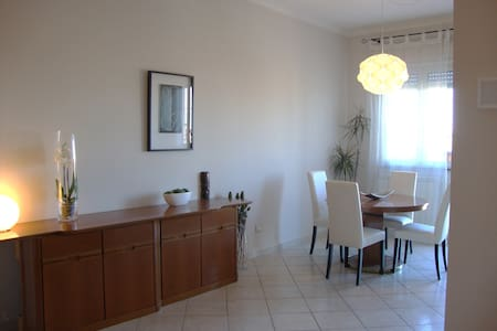 Fabulous apt in Rome close to train