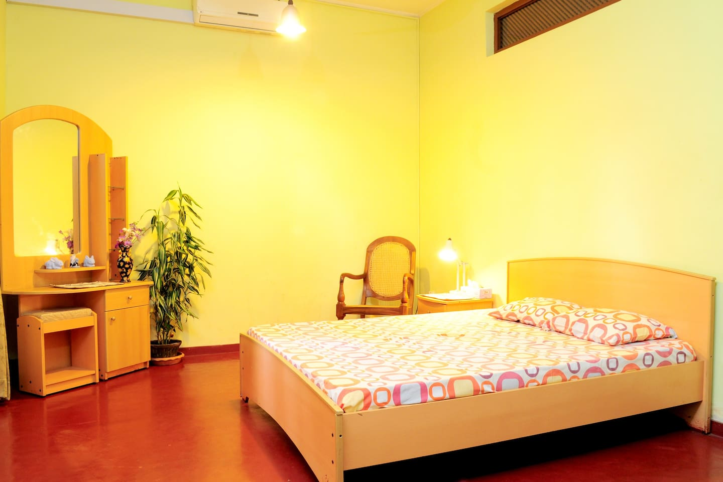 Spacious room with double bed Queen Size