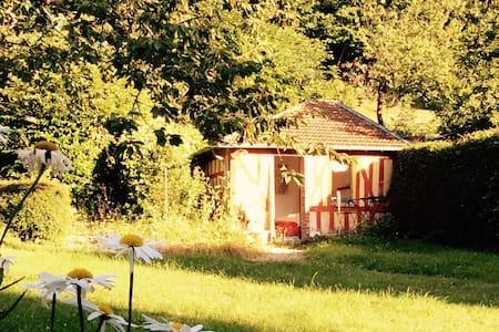 Cabane au fond du jardin - Kulübe
