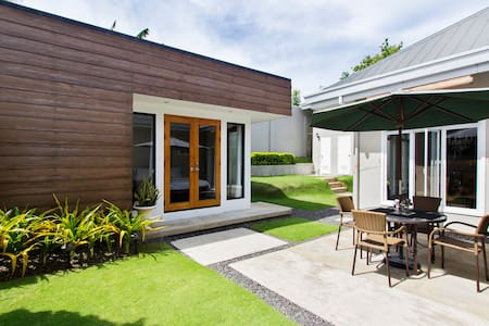 BEAUTIFUL MODERN GUEST HOUSE - Casa