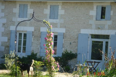 La Goelette de Catherine - Pouillac - Bed & Breakfast