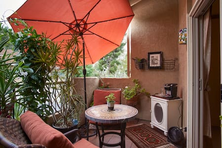 Unique Suite: 2 Bedrooms/Full Bath/Balcony Patio - Mission Viejo - Townhouse