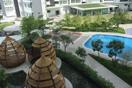 Homestay @ Tropez Danga Bay, Johor