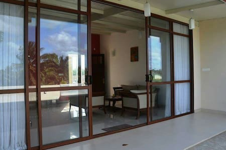 Charming and Modern 2 BR in Colombo - Dehiwala-Mount Lavinia - Apartamento