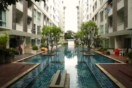 Apartment with Pool & WiFi near MTR