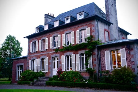 An elegant French manoir - Rumah
