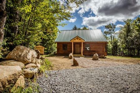 Adirondack Cabin Mountain Retreat - Cabanya