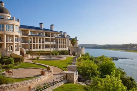 Lake Front Villa on Lake Travis - Apartamento