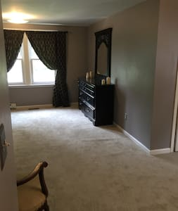 Central 2 everything-master suite - Detroit - Haus