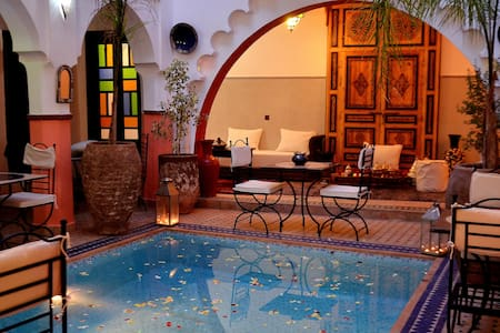 Riad :Room+breakfirst+wifi+ pool