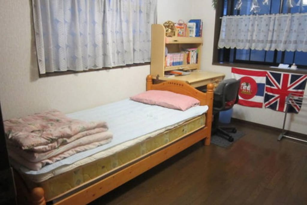 B:Guest Room(S bed)