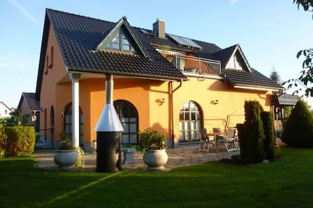 Einfamilienhaus/Villa am Inselsee - Villa
