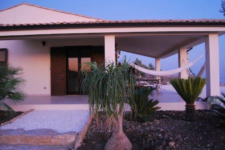 Casa delle Nache, Villa vista mare - Villa