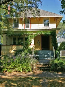 Historic Ease & Beauty in SE PDX