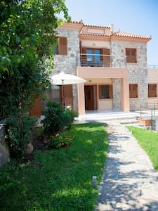 Petri two floor Villa - Talo