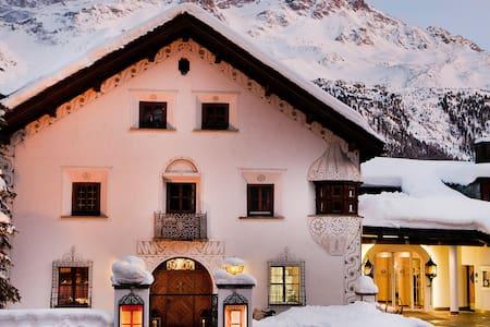 Penthouse in 5 Star Hotel - Saint Moritz- Champfer