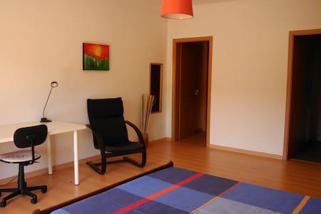 Orange Room - Diğer
