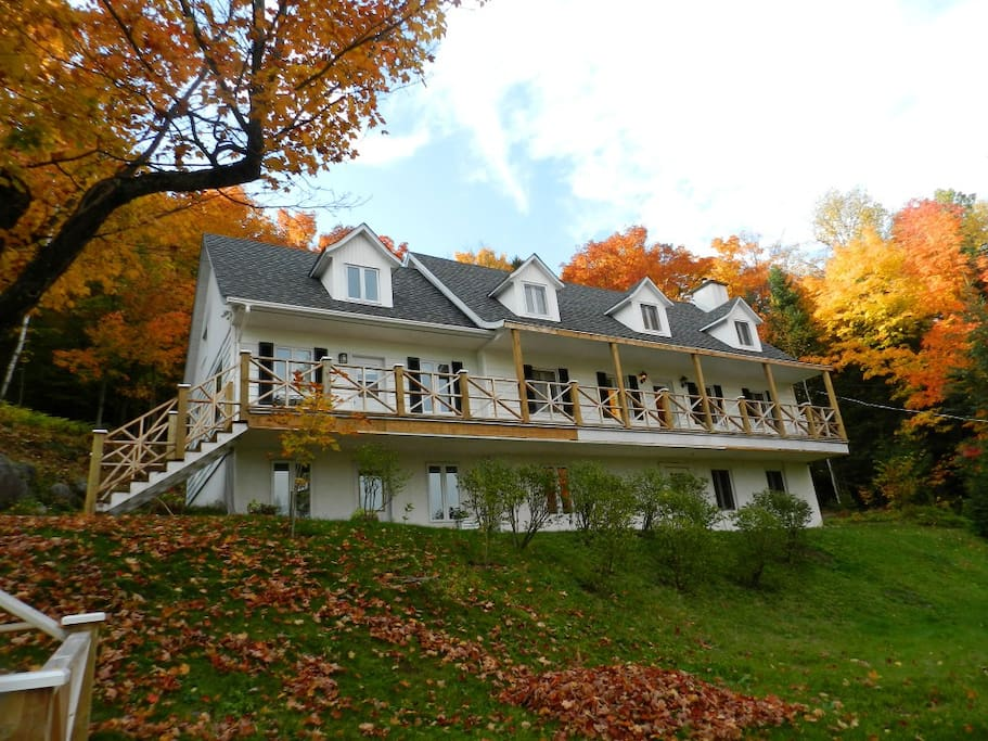 Gorgeous Laurentian Getaway House!