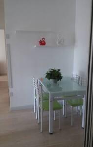 马兰广场西保利西山林语温馨一室一厅