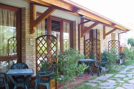 Appartamento in campagna e piscina 4+2 posti letto - Huoneisto