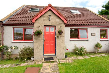 Double Room In Cosy Cottage - South Queensferry - Bungalow