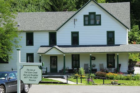 The Inn at Toll Gate Creek - Bed & Breakfast