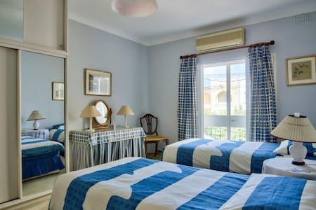 blue room - Swieqi