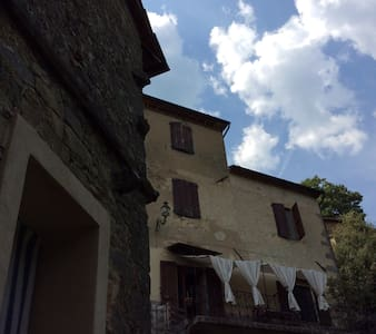 Ancient stone house in Tuscany - Haus