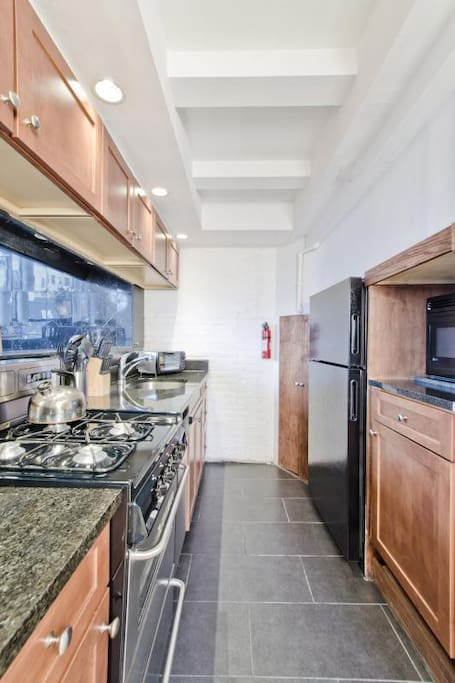 [1300] 3 Bedroom-Back Bay-Penthouse