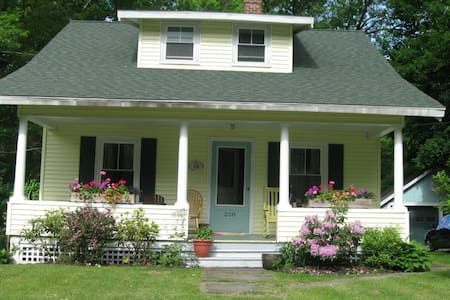 August in Great Barrington:$3500/month or weekends - Housatonic - Haus