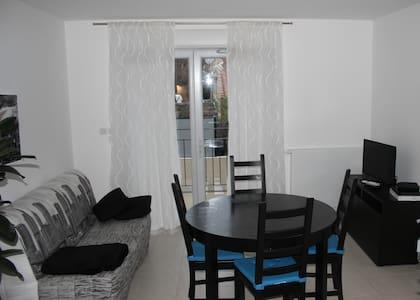 Appartement Le Luberon Coudoux - Lejlighed